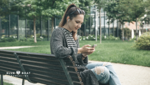 Teen girl sitting on park bench | teen therapist Columbus Ohio for anxiety & depression | teen online counseling | June 2020