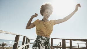 Happy woman outside | Stress & anxiety therapy in Columbus Ohio | Blue Boat Counseling | Columbus therapists | July 2020