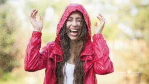 Girl outside in the rain | depression therapist in Columbus | online counseling Columbus | Blue Boat Counseling | 2020